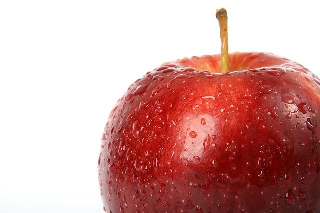 mokré jablko.jpg